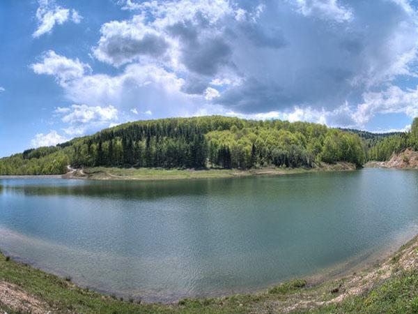 Jezero na Goču